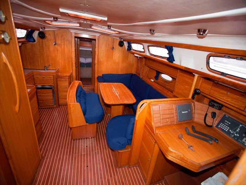 alquiler velero 4 cabinas